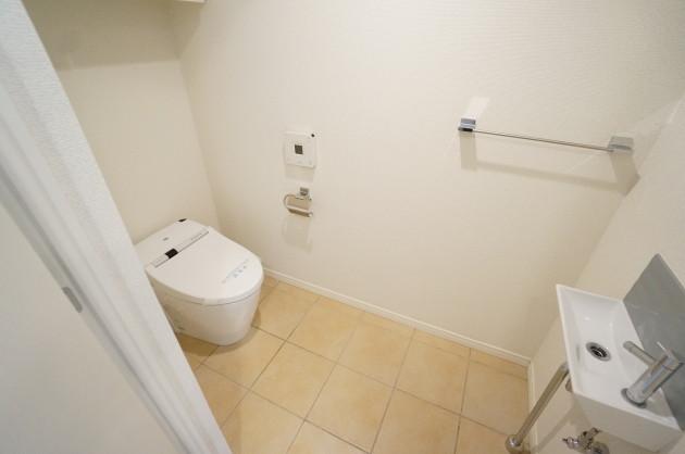 Fleg nishiazabu666 toilet2 e1428213355419