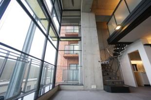 【賃料改定】青山一丁目。インパクトを与えるガラスウォール空間。