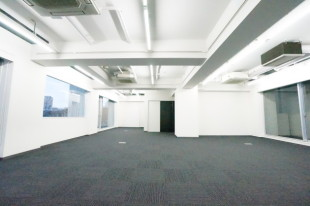 広尾6分。シンプルながら洗練されたオフィス空間。