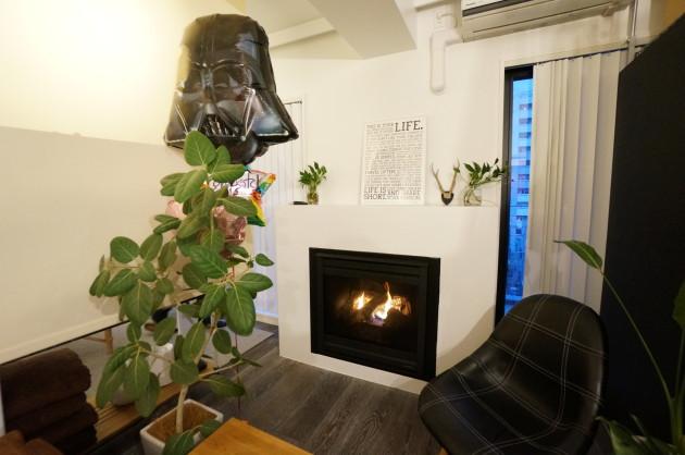 暖炉と屋上バルコニーのある整体サロン、SOLECKA