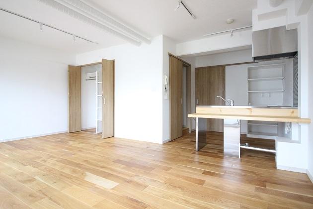 【募集終了】恵比寿駅至近。無垢フローリングの洗練された空間。