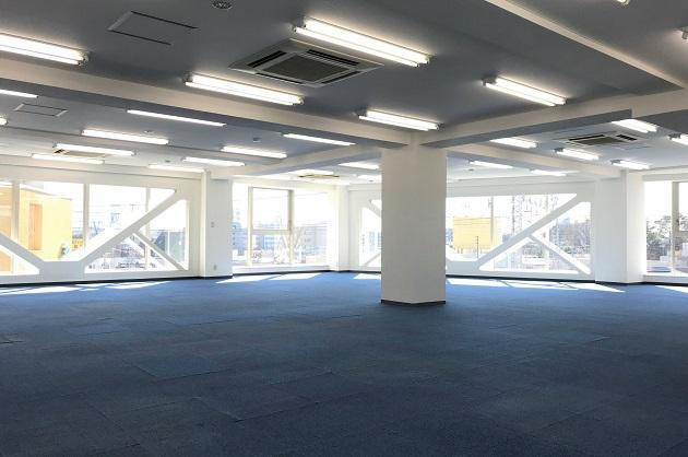 高円寺2分。眩い光の150㎡超えオフィス。