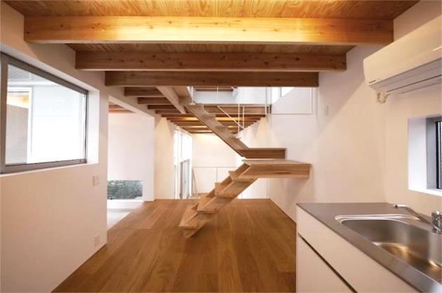 恵比寿、木材がふんだんに使用されたデザインメゾネット