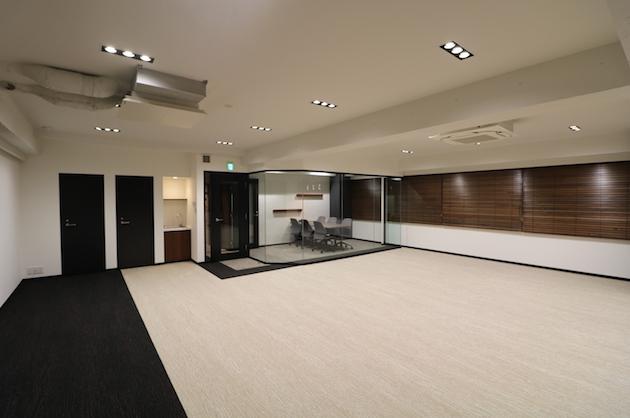 秋葉原、靖国通り沿い最上階会議室付オフィス<p>[千代田区/64万/91㎡]